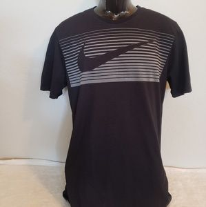 Nike dry fit Men's Large tee